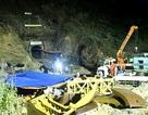 Hình ảnh 24 giờ tiếp cận, cứu hộ 12 công nhân mắc kẹt trong hầm
