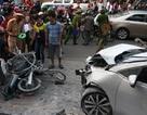 Ô tô tông liên hoàn 7 xe máy, ít nhất 3 người trọng thương