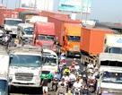 Ùn tắc nghiêm trọng trong ngày đầu thu phí cầu Đồng Nai mới