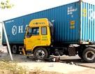 Bị xe container kéo lê gần 20 mét, một người nguy kịch
