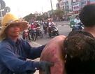 """Vụ nổ lớn gần cầu Sài Gòn: Taxi """"làm lơ"""" người gặp nạn?"""