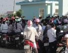 Hàng trăm công nhân đình công vì bị sếp miệt thị trong bữa ăn