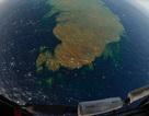 Núi lửa dưới lòng biển phun dung nham tạo thành đảo mới