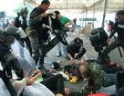 Đụng độ trong cuộc biểu tình ở Bangkok, 11 người bị thương