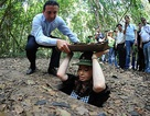 Tổng thống Argentina ấn tượng mạnh với địa đạo Củ Chi
