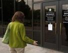 Hàng loạt nghị sỹ Mỹ trả lại lương vì xấu hổ