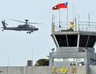 """Đài Loan """"khoe"""" trực thăng tấn công mới của Mỹ"""