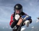 Cứu người nhảy dù bị bất tỉnh trên độ cao gần 4.000m