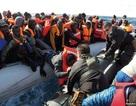 Cứu hơn 1.100 người trên biển trong 24 giờ