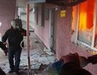 """Ukraine: Người biểu tình, cảnh sát """"cộng sinh"""" tại đồn bị chiếm"""