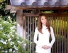 Hoa hậu Jennifer Chung duyên dáng với áo dài trắng tinh khôi