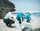 Hoa hậu Ngọc Hân ra đảo xa trồng cây, nhặt rác