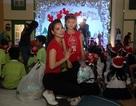 Con gái Trương Ngọc Ánh tặng quà Giáng sinh cho trẻ mồ côi