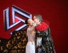 """Đoan Trang bất ngờ được ông xã """"tỏ tình"""" bằng tiếng Việt trên sân khấu"""