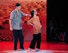 Hóa thân phụ nữ mang bầu, Angela Phương Trinh vươn lên dẫn đầu