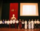 Trao hơn 280 suất quà khuyến học nhân kỷ niệm sinh nhật Bác Hồ