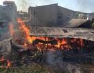 Chập điện, xưởng mây tre đan cháy dữ dội liền 2 giờ