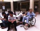 Tiền đóng cao gấp nhiều lần, bệnh nhân vẫn phải nằm ghép!