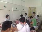 Hàng loạt người lớn nhập viện vì biến chứng sởi