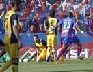 Thua Levante, Atletico mở ra cơ hội cho Real và Barca