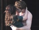 """Cặp """"sao"""" phim """"Chạng vạng"""" hôn nhau say đắm…"""