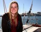 Cô bé chèo thuyền vòng quanh thế giới mất tích giữa biển