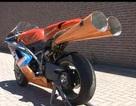 """Ducati """"độ"""" ống xả theo hình dáng kèn Vuvuzela"""