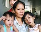 Bốn mẹ con tá túc dưới hiên bệnh viện chờ cứu giúp