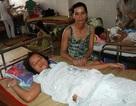 Cảnh khốn cùng của người mẹ nuôi con mang bệnh hiểm nghèo