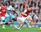 Alex Song lập công, Arsenal thắng khó nhọc West Ham