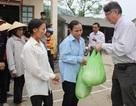 Các siêu thị hỗ trợ người dân vùng lũ