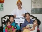 Trao tặng hơn 33 triệu đến 4 mẹ con dưới hiên bệnh viện