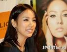 Lee Hyori gặp gỡ fan ăn mừng thành công của quảng cáo mới