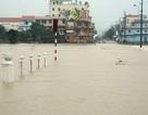 Thừa Thiên - Huế: Thủy điện mở 7 cửa xả lũ, nước đồng bằng lên nhanh