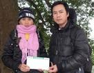 Vợ chồng nghèo có 3 con bệnh tật tiếp tục đón nhận quà bạn đọc