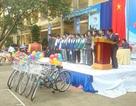 Trao 9 xe đạp cho học sinh nghèo đến trường
