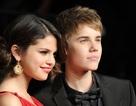 """Selena Gomez bị """"chất vấn"""" về chuyện hẹn hò"""