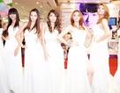 Sao Việt tinh khôi với màu trắng