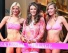 Elizabeth Hurley mở liền 2 cửa hiệu thời trang