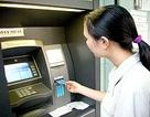 """600 người xếp hàng chờ hoàn tiền ATM """"hụt két"""""""