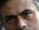 """Đến Mourinho còn """"khiếp"""" mặt sân Chelsea"""