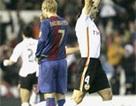 """""""Khuất phục"""" Barca, Valencia khiến cuộc đua thêm """"nóng"""""""