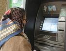 Thu phí ATM - ngân hàng phân trần