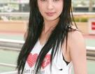 """Một nữ ca sĩ Hồng Kông """"lộ hàng"""" trước fan hâm mộ"""