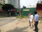 Cư dân 2 tòa cao ốc khổ sở vì nhà của BQL dự án bịt lối đi