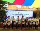 Quảng Bình: Tặng hơn 1.600 mũ bảo hiểm cho học sinh tiểu học
