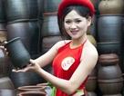 Người đẹp Kinh Bắc duyên dáng với yếm thắm, váy đào