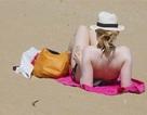 Du khách nước nào nude nhiều nhất khi đi biển?