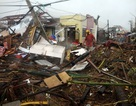 36 người Việt tại vùng bão ở Philippines nhận hàng cứu trợ