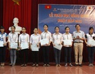 Trao học bổng SoShi cho học sinh Nghệ An